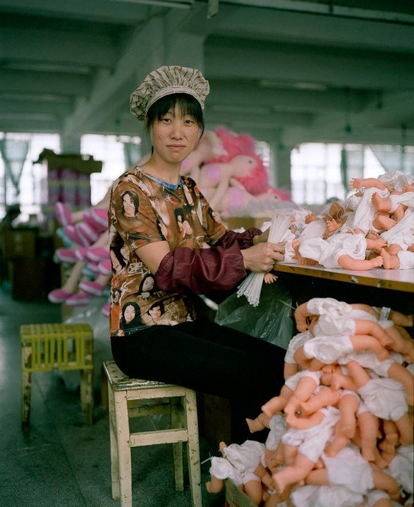 11-toy-factory-portraits