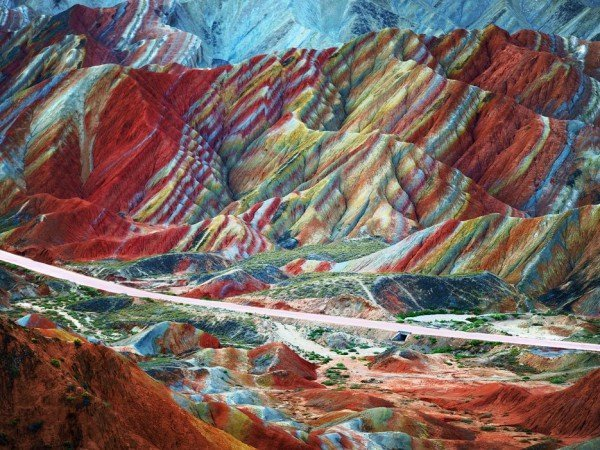 5634441bee1172612dd4fa8a_zhangye-danxia-gansu-china-cr-getty