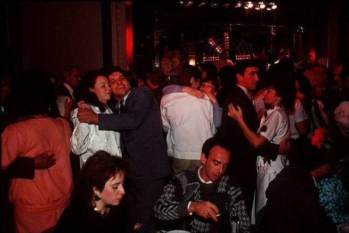 одесская молодежь на дискотеке