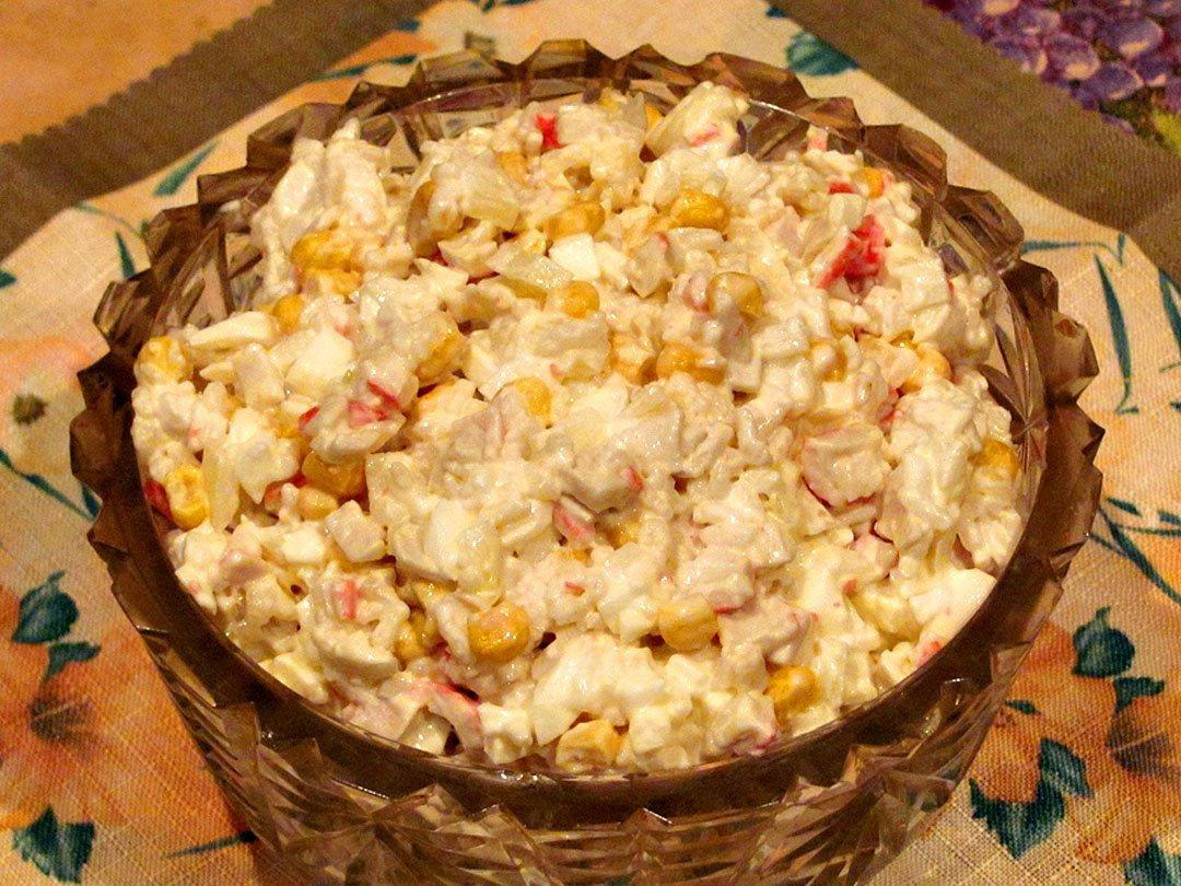 Рецепт салат из кукурузы с крабовыми палочками