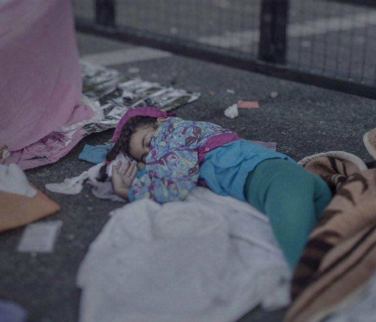 where-children-sleep-syrian-refugee-crisis-photography-magnus-wennman-12