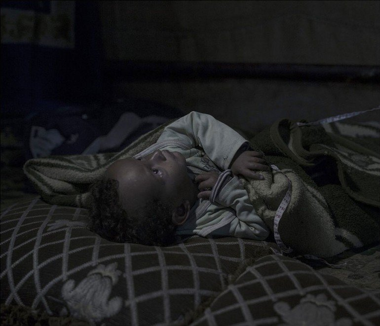 where-children-sleep-syrian-refugee-crisis-photography-magnus-wennman-21