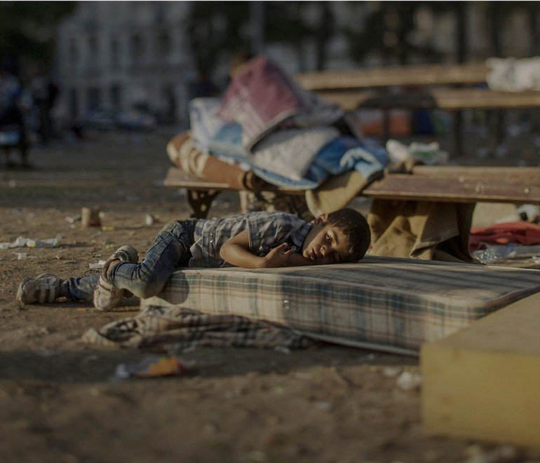 where-children-sleep-syrian-refugee-crisis-photography-magnus-wennman-4