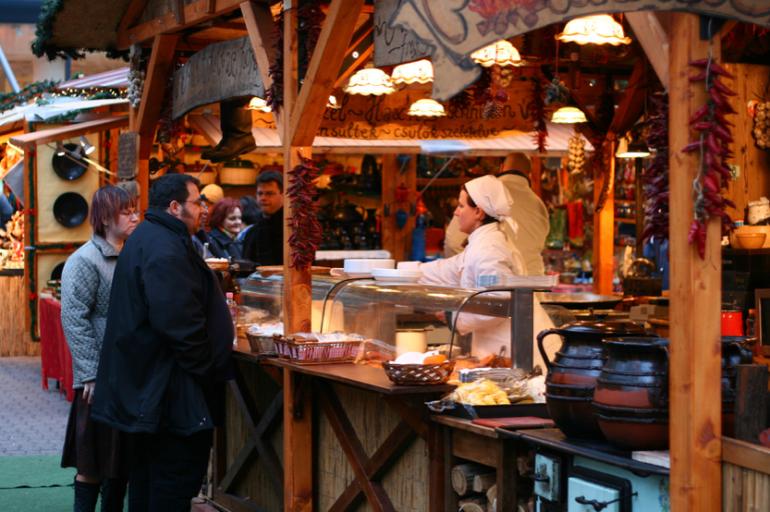 Hungarian-Foods-at-Budapest-Xmas-Fair