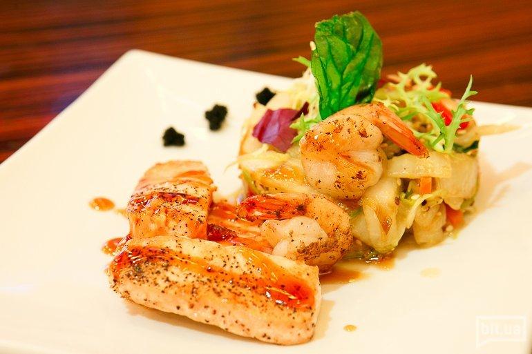 Рыба с овощами по-японски, 240 гр - грн