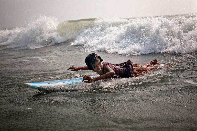 The Bangladeshi surf girls are a group of eight outgoing and spunky girls ranging in age from ten to thirteen†years old living and working in Cox's Bazar, Bangladesh.