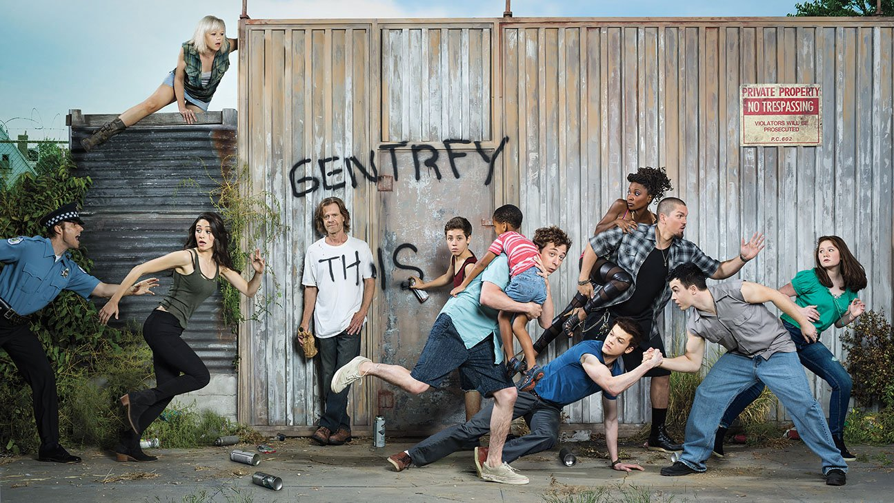 Emily Bergl as Sammi, Emmy Rossum as Fiona Gallagher, William H. Macy as Frank Gallagher, Ethan Cutkosky as Carl Gallagher, Jeremy Allen White as Lip Gallagher, Shanola Hampton as Veronica Fisher, Steve Howey as Kevin Ball, Cameron Monaghan as Ian Gallagher, Noel Fisher as Mickey Milkovich and Emma Kenney as Debbie Gallagher in Shameless (Season 5) - Photo: Brian Bowen Smith/SHOWTIME