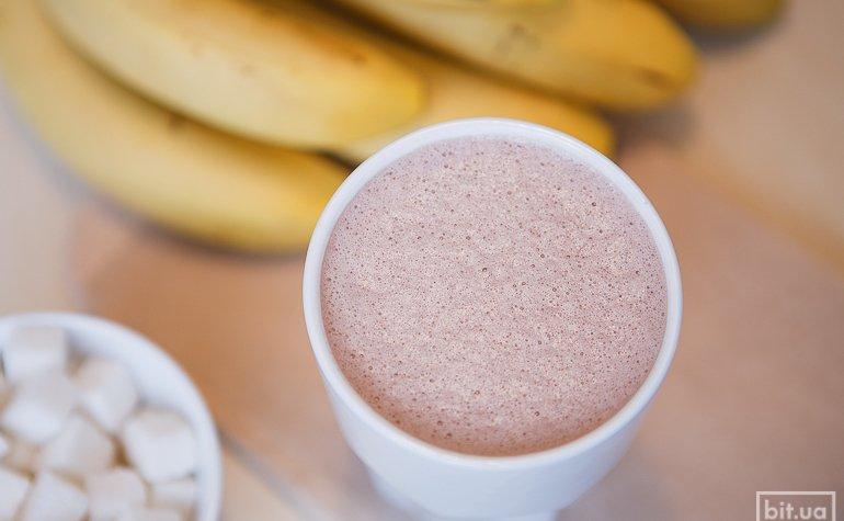 Какао со свежим бананом – 300/425 гр, 46/56грн