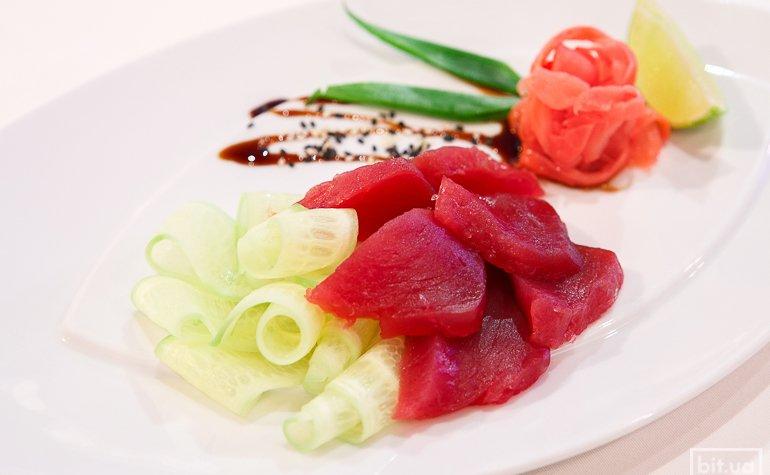 Сашими из тунца – 395 грн