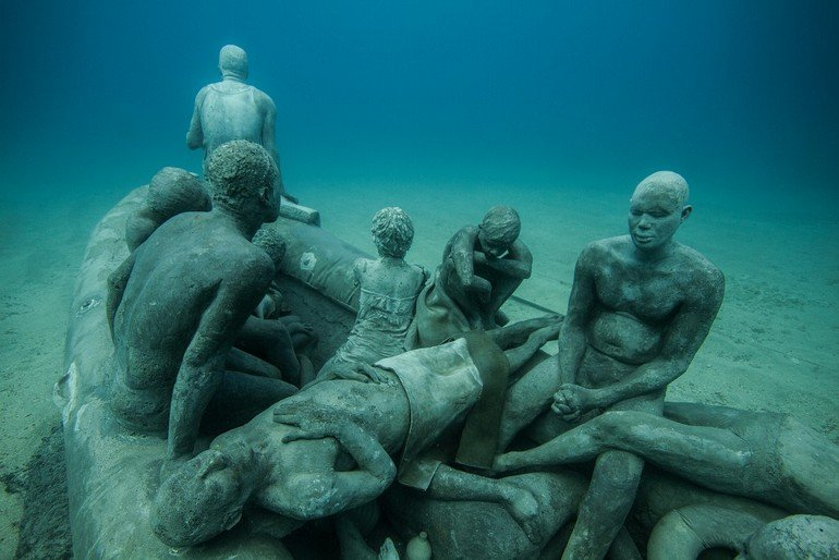 Jason_deCaires_Taylor_sculpture-4884-e1454694133275