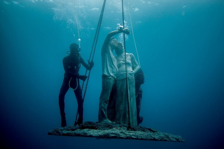 Jason_deCaires_Taylor_sculpture-5322_Jason-deCaires-Taylor_Sculpture.-e1454694160503