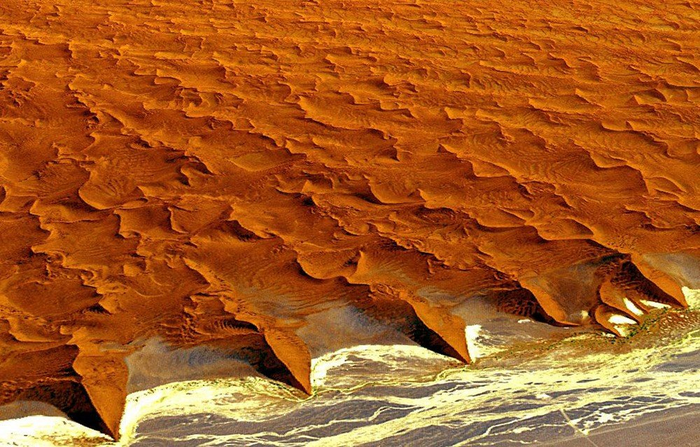 namib-naukluft-national-park-as-seen-from-aster-data