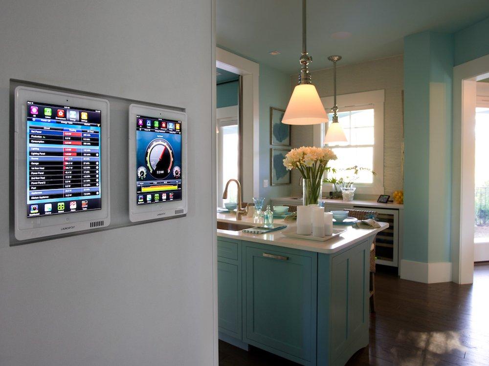 Реализованная система панелей умного дома HGTV во Флориде.