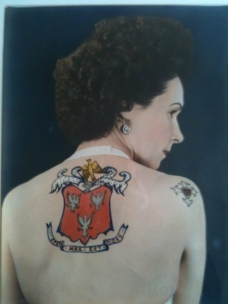 jessie-knight-backtat