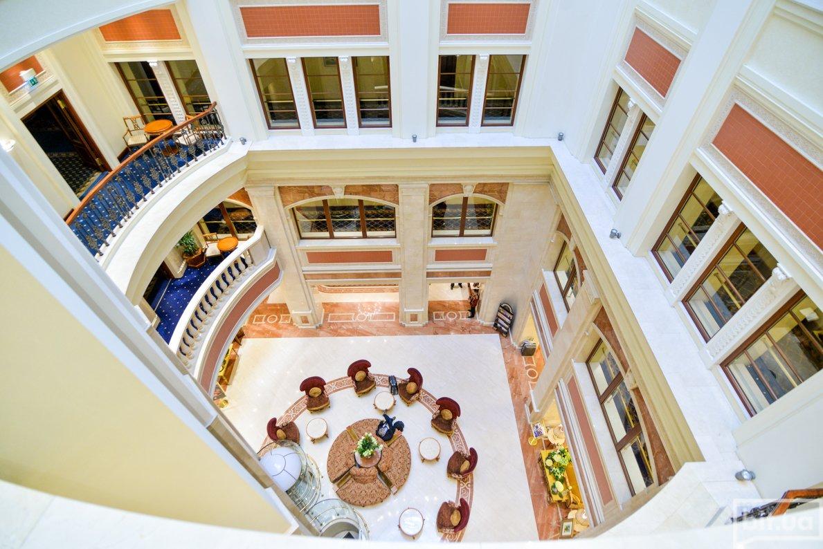 lobby!DSC_9932