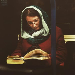 secret-subway-portraits-16th-century-tube-passengers-matt-crabtree-5-57626c78b5f28__700