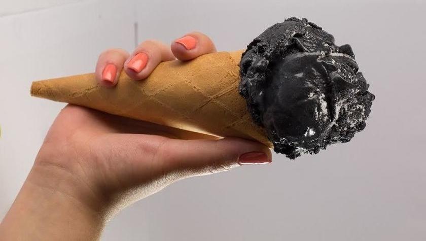 Черное мороженое — 65 грн за 150 г