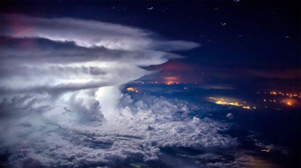 shtorm-nad-tihim-okeanom-s-vysoty-11-km-quibbll-2