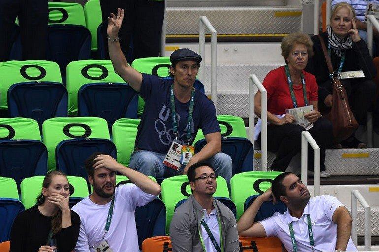 1470922665-syn-esq-1470880560-syn-elm-1470856545-matthew-mcconaughey-olympics-cheering-1