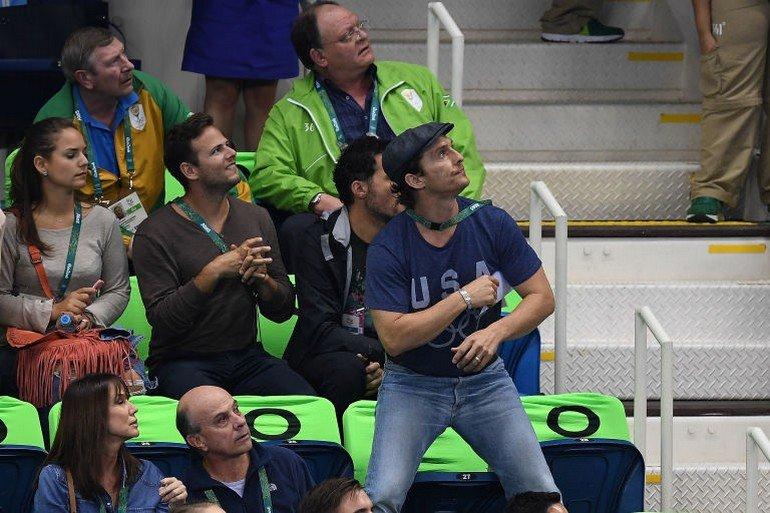 1470922700-syn-esq-1470880598-syn-elm-1470857051-matthew-mcconaughey-olympics-cheering-7