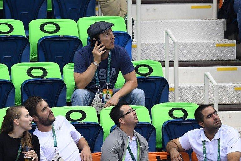 1470922711-syn-esq-1470880609-syn-elm-1470857170-matthew-mcconaughey-olympics-cheering-9