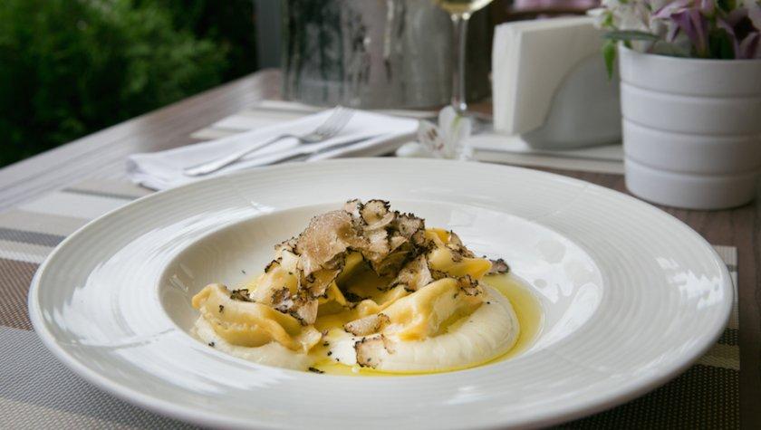 Фаготелли с сырным соусом и трюфелями