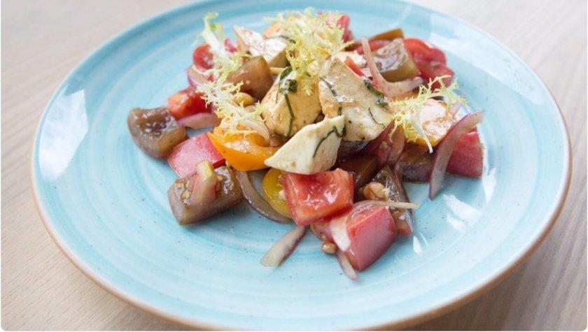 Салат из пяти видов томатов – 95 грн