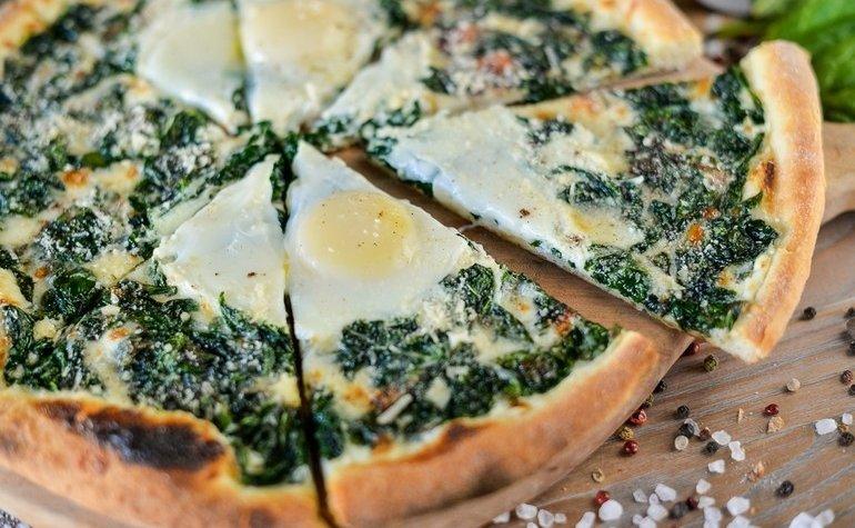 Пицца со шпинатом и мускатным орехом, 155 грн