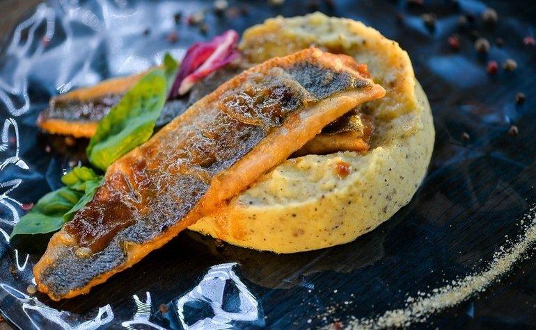 Филе сибаса с картофельным пюре и трюфельной пастой, 248 грн