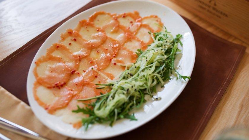 Карпаччо из лосося и морского гребешка, 180 грн.