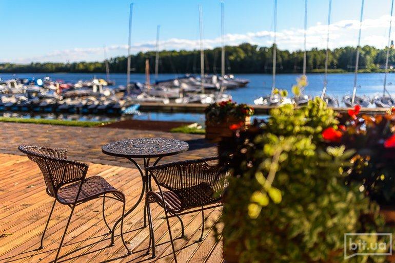 Новое место: ресторан на берегу Днепра Yacht Club Riviera Riverside –  bit.ua Медіа про життя і технології в ньому