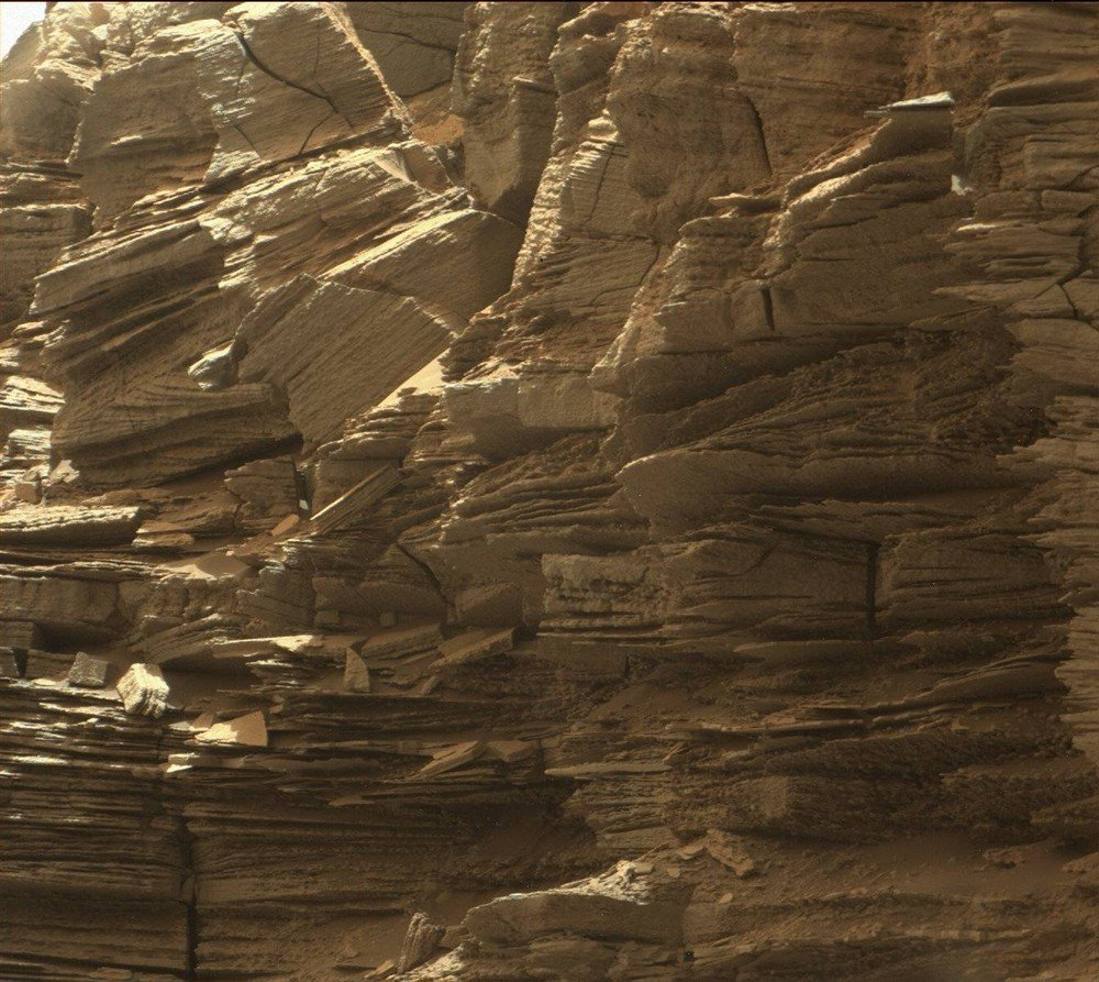 mars-curiosity-rover-msl-rock-layers-pia21043-full2