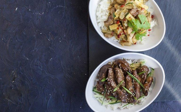 Стир фрай — кари с курицей и свинина терияки на паровом рисе