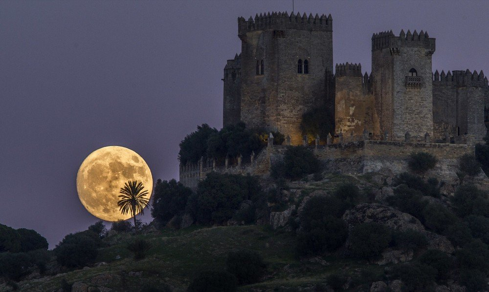 APTOPIX Spain Supermoon