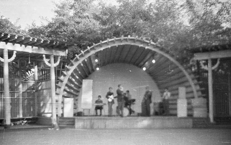 1843-tantsevalnaya-ploshhadka-zhaba-foto-starogo-kieva-1960-god