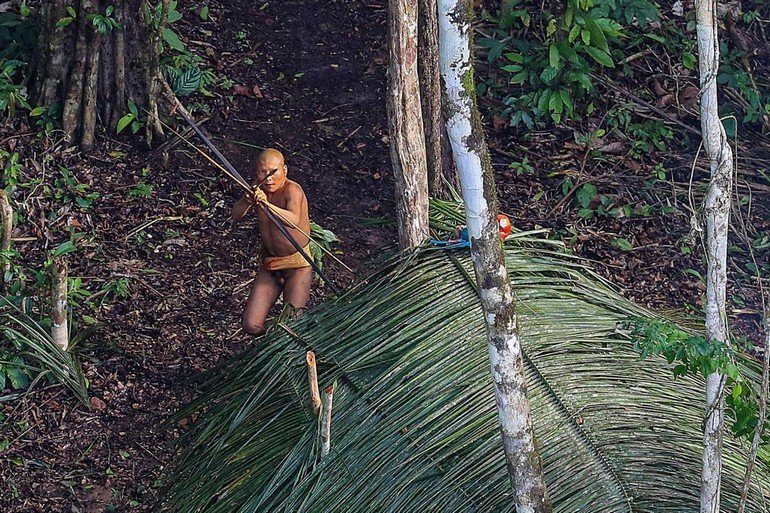 01-uncontacted-tribe-amazon-ngsversion-1482379103654-adapt-1190-1