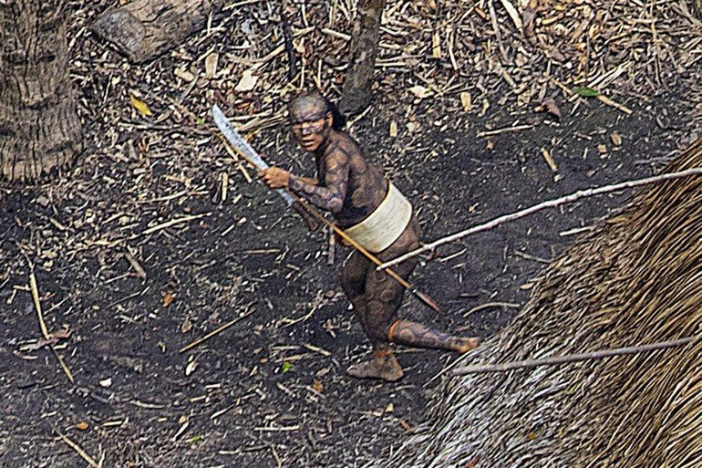 04-uncontacted-tribe-amazon-ngsversion-1482345010390-adapt-1190-1