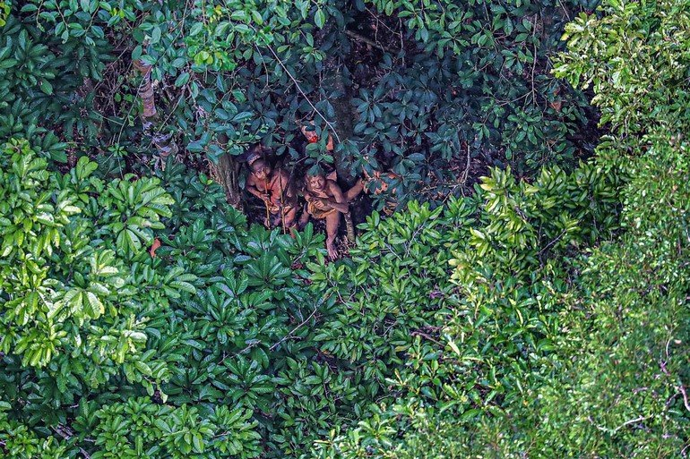 08-uncontacted-tribe-amazon-ngsversion-1482345014393-adapt-1190-1