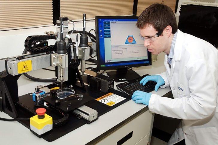 organovo-3d-printed-liver-scientist1
