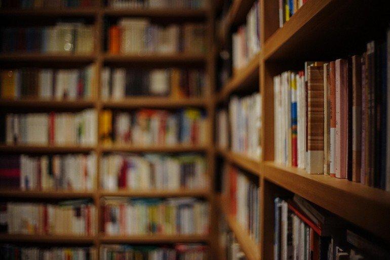 book-809887_1280