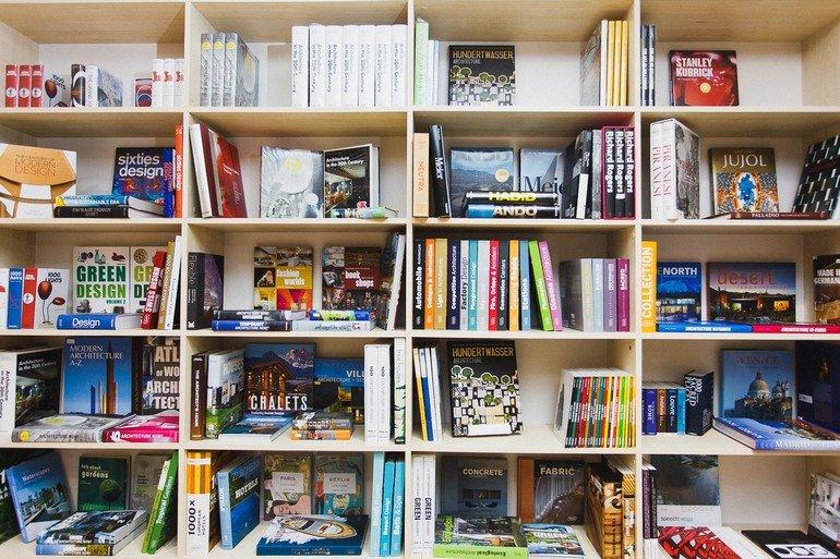 resident_bookshelf