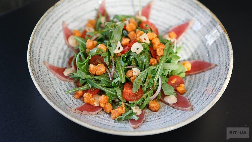 Салат с тунцом — 387 грн