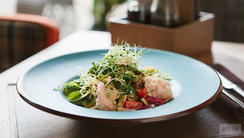Салат с тунцом и фарфалетками – 175 грн