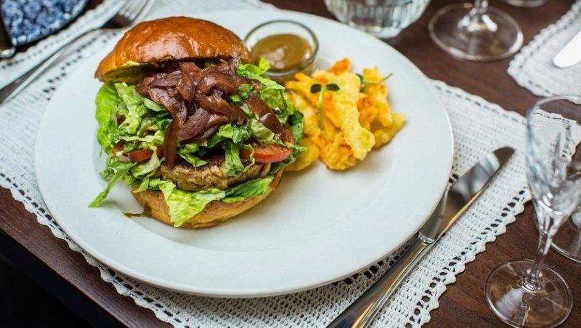 Сэндвич с «рваной» курицей