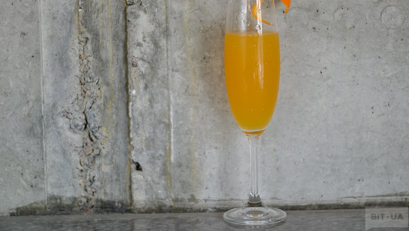 «Bellini»- peach pure, lemon fresh, prosecco.