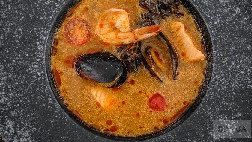 Суп том-ям с морепродуктами, 210
