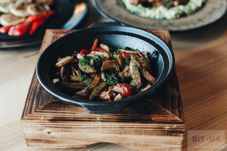 Поджарка «По-козацьки» со свининой и овощами — 69 грн