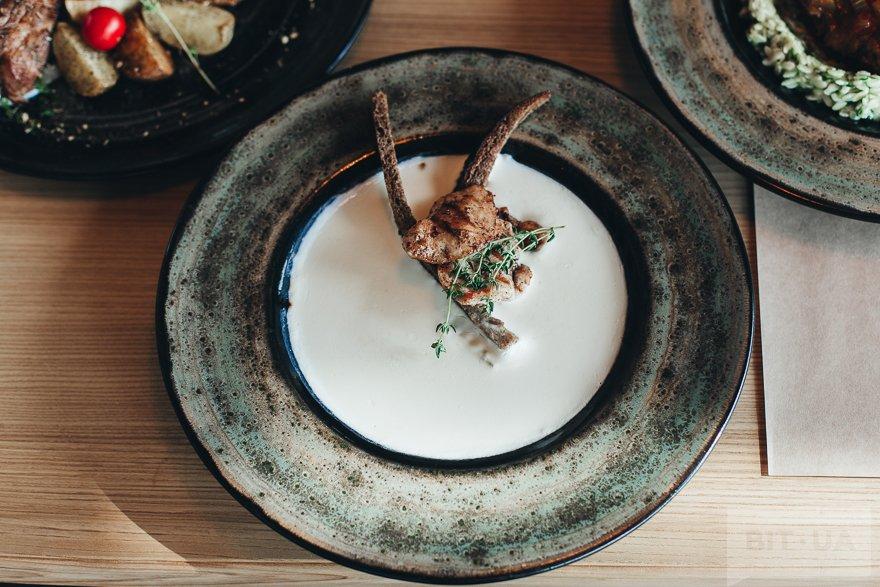 Сырный суп с гренками и курицей — 54 грн