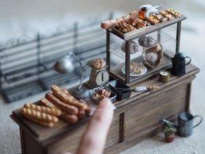 Японский мастер делает миниатюрные предметы интерьера для кукольных домиков. Уровень деталей поражает