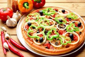 Лайфхак для кулинаров: как резать пиццу ножницами
